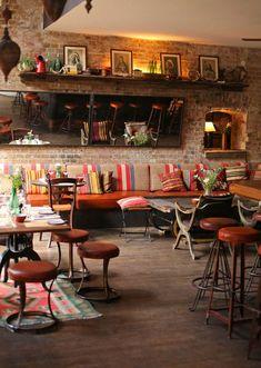 """Das Restaurant """"Katz Orange"""" in Berlin Mitte begeistert mit internationaler Küche und tollem Design. #bohemian style"""