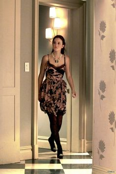 Blair Waldorf media gallery on Coolspotters. See photos, videos, and links of Blair Waldorf. Gossip Girls, Gossip Girl Blair, Estilo Gossip Girl, Gossip Girl Outfits, Gossip Girl Fashion, Blair Waldorf Outfits, Blair Waldorf Stil, Gossip Girl Episodes, Leighton Marissa Meester