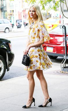 Jaime King was sure to turn heads in this yellow floral dress