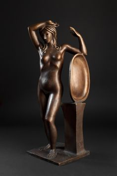 Woman with a mirror, 45x20x22, bronze, 1970-1990