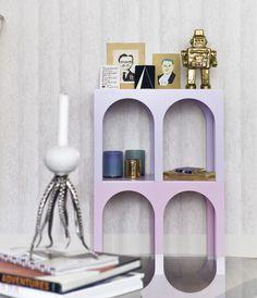 #kraudantapetti Logo Design, Graphic Design, Floating Shelves, Bookends, Shabby Chic, Wallpaper, Decor Ideas, Home Decor, Future