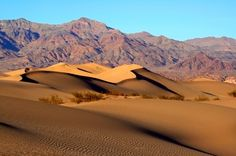Mesquite_Sand_Dunes_in_Death_Valley