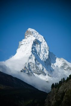 The Matterhorn as seen from Zermatt. This is where I snowboarded the one and only time I've been snowboarding. Zermatt, Places To Travel, Places To See, Beautiful World, Beautiful Places, Everest, Swiss Alps, Belle Photo, Beautiful Landscapes