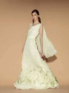 Valentino Resort 2012 - Review - Fashion Week - Runway, Fashion Shows and Collections - Vogue