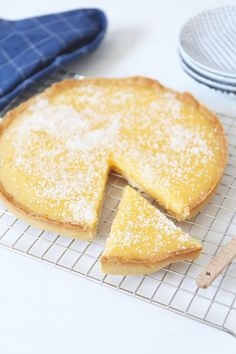 36 Trendy Ideas For Desserts Recipes Cake Pineapple Quick Easy Desserts, Fun Desserts, Graham Cracker Dessert, Keks Dessert, Cake Recept, Dessert Cake Recipes, Bread Cake, Healthy Cake, Coconut Recipes