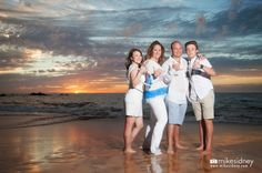 Family Portrait during a Maui sunset. Captured by Niki of Mike Sidney Photography / www.mikesidney.com