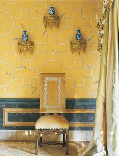 Chinoiserie in yellow and blue.