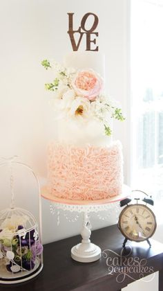 Exquisite wedding cake For more wedding and fashion inspiration visit www.finditforweddings.com Peach wedding