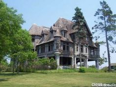the ruined Carleton Villa, Thousand Islands, in the St Lawrence Seaway, NY.