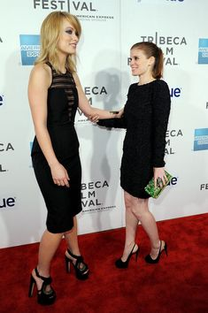 """Kate Mara Photos - Actresses Olivia Wilde and Kate Mara attend the """"DeadFall"""" Premiere during the 2012 Tribeca Film Festival at the Borough of Manhattan Community  College on April 22, 2012 in New York City. - """"DeadFall"""" Premiere - 2012 Tribeca Film Festival"""