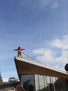 #carlstahl #nerezovesite #lankovesite #xtendmesh #vyplnzabradli #zabradli #pletivo #barieraprotipadu #schodiste #zabradli #zabradlie #nerezovesiete #architektura #mesh #net #safetymesh #bezpecnostnisit #protipadu #nerez Carl Stahl, Stainless Steel Mesh, Czech Republic, Golden Gate Bridge, Techno, Architecture, Travel, Arquitetura, Viajes