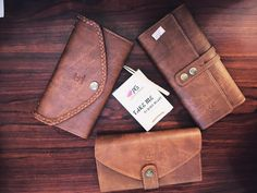 Little leather wallets design by Leeandtee. Price: 235.000VND