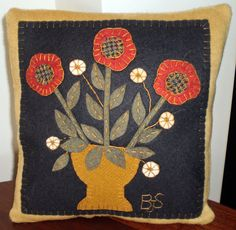 Oley Valley Primitives Wool Applique VASE with by santaladyofoley Applique Pillows, Wool Applique Patterns, Felt Applique, Applique Quilts, Embroidery Patterns, Folk Art Flowers, Flower Art, Penny Rug Patterns, Wool Quilts