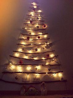 Árbol de navidad hecho con palos - christmas