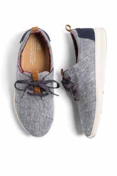 "I adore these sneakers from Stitch Fix's ""Best Shoes with Leggings"" article! Toms Sneakers, How To Wear Sneakers, Grey Sneakers, Shoes With Leggings, Dresses With Leggings, Chambray, Toms Outfits, Fall Outfits, Stitch Fix Outfits"