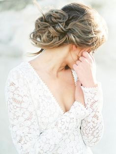 Romantic and Relaxed Wedding Day Hairstyle | Callie Hobbs Photography on @heyweddinglady via @aislesociety