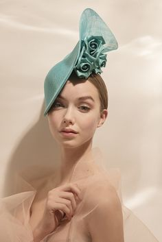 Philip Treacy, Facinator Hats, Fascinators, Headpieces, Sombreros Fascinator, Fendi, Millinery Hats, Love Hat, Derby Hats