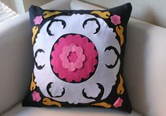 How to create a budget friendly faux pillow using felt