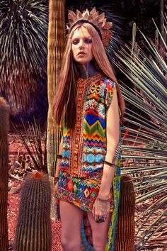 You can't go wrong wearing bright colors in the desert. Garment of a simple design with a wild pattern.