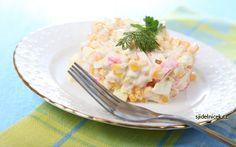 Připravte si oblíbené recepty s krabími tyčinkami. Pokrmy jsou zajímavé a chutné, protože krabí tyčinky dokáží každý pokrm netradičně obohatit svou chutí. Krabi, Potato Salad, Potatoes, Vegetables, Ethnic Recipes, Food, Potato, Hoods, Vegetable Recipes