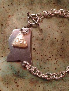 Mississippi bracelet with Delta pearl on Etsy, $20.00