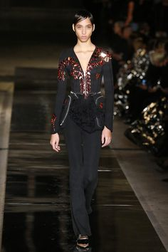 Givenchy | Ready-to-Wear Spring 2017 | Look 54