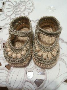 Zapatito beige de bebe