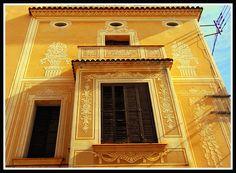 Casa dels Esgrafiats de Masnou. Cantonada carrers Mestres Villà i Capitans Comelles.  1890 Modernista catalunya