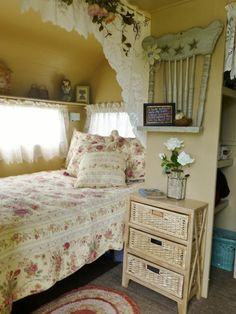 love this bedroom. Look at the chair shelf! isn't that cute? Love the valance curtain above
