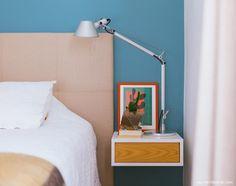 36-decoracao-quarto-azul-criado-mudo-cabeceira-estofada-bege
