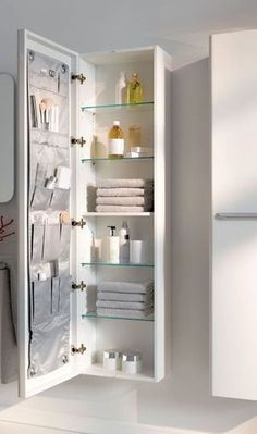 Smart And Creative Storage For Small Spaces Ideas 40 - hoomdesign - - Smart And Creative Storage For Small Spaces Ideas 40 – hoomdesign {H}ome sweet home! Smart And Creative Storage For Small Spaces Ideas 40 Small Space Storage, Small Bathroom Storage, Bathroom Organization, Bedroom Storage Ideas For Small Spaces, Small Narrow Bathroom, Bathroom Drawers, Bathroom Cabinets, Creative Storage, Diy Storage