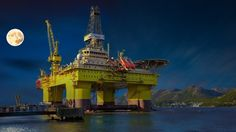 Norway's oil fund to target executive pay - http://socialstudies.school/2016/05/01/norways-oil-fund-to-target-executive-pay/