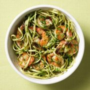 Bright spinach pesto and shrimp with red pepper and wine make this healthy dinner full of flavor. #recipes