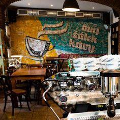 Proč navštívit kavárnu Můj Šálek Kávy? Protože zde naleznete výtečnou kávu a její servis, znalou obsluhu a velmi příjemný interiér. Více na https://www.storyous.com/cz/mista/podnik/praha-muj-salek-kavy/