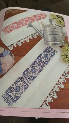 Cross Stitch Art, Cross Stitch Designs, Swedish Embroidery, Border Pattern, Crochet Lace, Beading Patterns, Diy And Crafts, Beads, Towel Set