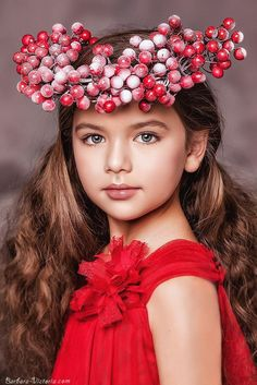 Mariana Coca (born May fashion child model from Russia. Photo by Barbara & Victoria Young Models, Child Models, Cute Girl Image, Gifs, Burgundy Flowers, Burgundy Color, Little Fashionista, Stylish Kids, Cute Faces