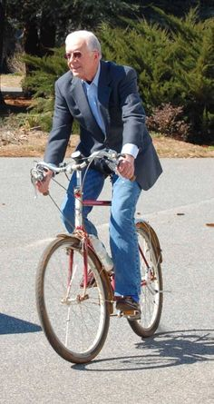 President Jimmy Carter supporting environmentally friendly transportation by #biking. #PresidentsDay