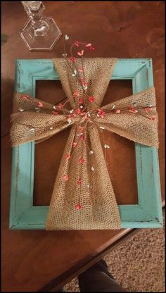 Use a Frame & Burlap to make this hanging Cross wall art. Use a Frame & Burlap to make this hanging Cross wall art…love this! Cross Wall Art, Wall Crosses, Cross Wall Decor, Cross Walls, Wooden Crosses, Crosses Decor, Cute Crafts, Crafts To Sell, Diy And Crafts