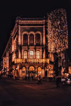 Christmas in Vienna, Austria by Patrycja Kasprzycka   Café Central   www.kasprzycka.at   Instagram @p.kasprzycka   #christmas #christmaslights #city #travel #lights #bokeh #trees #vacation #architecture #vienna #austria #photography #europe #winter #night #patrycjakasprzycka #pkasprzycka Bokeh, Christmas Lights, Big Ben, Europe, Graphic Design, Vacation, Architecture, Wallpaper, City