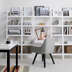Top 10 des bureaux chez soi | Les idées de ma maison © Photo: Crate & Barrel #deco #bureau #espace #travail #bibliotheque #rangement #blanc