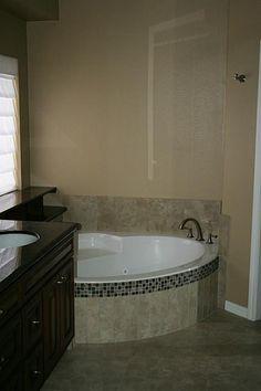 A Soaking Tub..Need I say more?