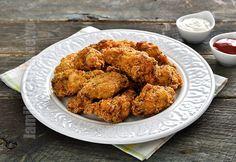 Aripioare picante facute in casa – reteta video via Spicy Wings, Chicken Wings Spicy, Tandoori Chicken, Romanian Food, Yummy Food, Tasty, Curry, Homemade, Ethnic Recipes