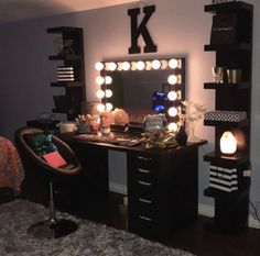 Dream Rooms For Girls Makeup Vanities - Decoration Home Cute Bedroom Ideas, Cute Room Decor, Girl Bedroom Designs, Room Ideas Bedroom, Bedroom Decor, Beauty Room Decor, Makeup Room Decor, Makeup Rooms, Glam Room