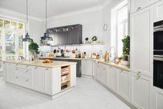Black Red White - Senso Kitchens - 43rd Luvak Avenue  #brw #blackredwhite #kitchen #kitcheninspiration #kitchendesign #inspiration #home #homedecor #cooking #trend #grey #interior #interiordesign