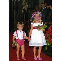 Trajes de arras Page Boy, Carolina Herrera, Kids Outfits, Kids Fashion, Wedding Decorations, Flower Girl Dresses, Couture, Summer Dresses, My Style