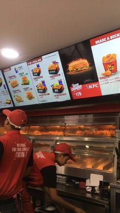 KFC, darbarmarg  Follow @shriyanituladhar for more Creative Instagram Stories, Instagram Story, Super Rice, Snap Food, Food Snapchat, Starbucks Drinks, My Best Recipe, Tumblr Photography, Aesthetic Food