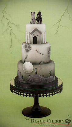 Love the detail on this Corpse Bride cake