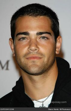 Oh Hello dream guy! If I could design the perfect guy id be attracted to it would be Jesse Metcalf. Green eyes get me Everytime