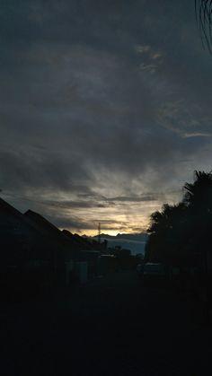 #morning #morningview #sunrise #malang #eastjava #indonesia #cloud #amazing Taken at Malang, Indonesia December 2017
