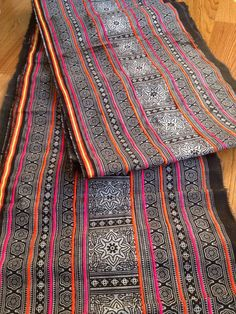 2.5 yard long piece. Approx. 14 inches wide. Traditional Hmong hilltribe hand printed fabric from Northern Thailand.